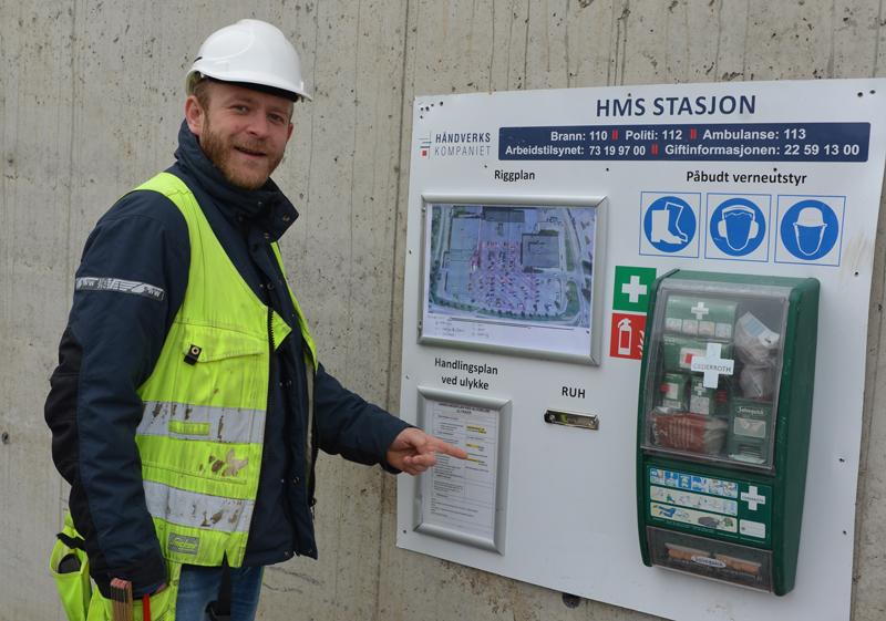 Jon Henie ved HMS-stasjonen