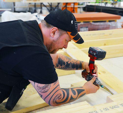 Produksjonsarbeider i Talgø i full sving