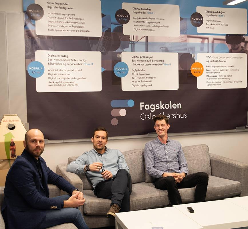 David Bakken faglærer sammen med studentene Anders Meeg Nilsen og Hans Ingar Kristoffersen