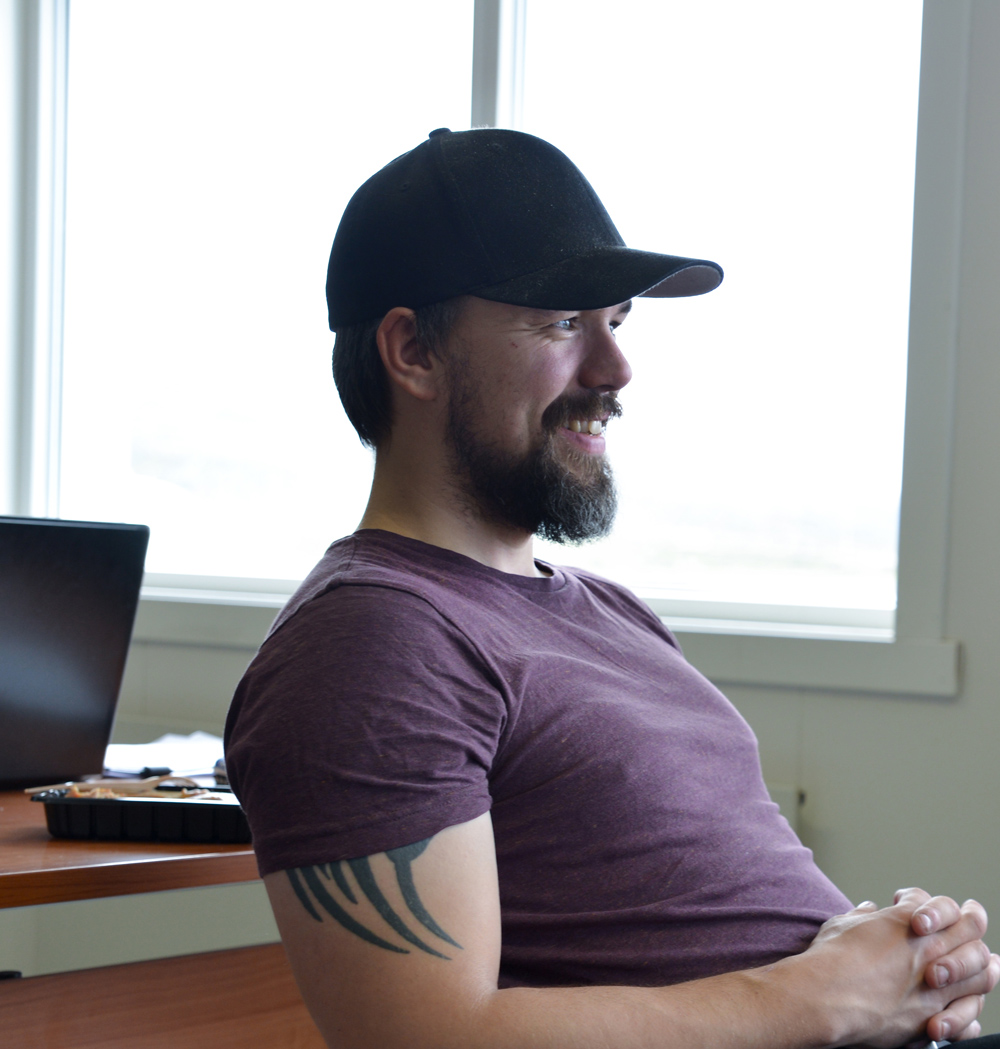 SmartKalk og HoltePortalen hjelper oss med å holde «dødtiden» på kontoret til et minimum. Det er bra, sier Marius Kristiansen, daglig leder.